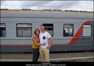 De uitsnede die in de krant kwam is anders; nu staat op de achtergrond een duidelijke trein!
